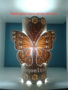 Pvc Pipe Crafts, Pvc Pipe Projects, Cd Crafts, Diy And Crafts, Paper Crafts, Decoration Table, Light Decorations, Beer Cap Crafts, Lampe Tube