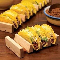 No-tip taco holder Woodworking Plan, Gifts & Decorations Kitchen Accessories House Ideas - wood working gifts Learn Woodworking, Easy Woodworking Projects, Popular Woodworking, Diy Wood Projects, Woodworking Plans, Woodworking Furniture, Woodworking Patterns, Furniture Plans, Unique Woodworking