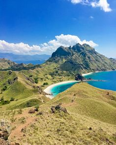 We arrived in Labuan Bajo yesterday and started exploring Komodo National Park. Today we visited Padar Island and were the views there ever incredible. That hike up was totally worth it. Komodo National Park, Backpacking Asia, Labuan, Southeast Asia, Dream Vacations, Travel Guides, Resorts, South America, Travel Inspiration