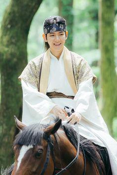 Scarlet Heart: Ryeo on Prince Wang Eun (Baekhyun) Chanyeol Baekhyun, Exo Chen, Park Chanyeol, Exo Chanyeol, Baekyeol, Chanbaek, Drama Korea, Korean Drama, Baekhyun Scarlet Heart