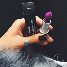 lipstick fur and nails