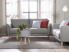 Kevätaurinko tulvii ikkunoista sisään 🌞 Malli: Aria  Verhoilu: Kangas, Goes 851 Vaihtoehdot: 2- ja 3-istuttava sohva, nojatuoli Jälleenmyyjä: Sotka-myymälät  #pohjanmaan #pohjanmaankaluste  #koti #olohuone #sohva #sofa #livingroomdecor  #sisustus #sisustusinspiraatio #finnishdesign #designfromfinland #nordicdesign #nordichome #nordicinspiration #scandinavianhome #scandinavianstyle