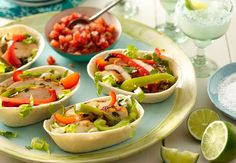 Grilled Chicken Fajita Bowls - No need to go out for these delicious sizzling fajitas when you can make them at home! Fajita Bowl Recipe, Chicken Fajita Bowl, Fajita Bowls, Chicken Fajitas, Mexican Dishes, Mexican Food Recipes, Ethnic Recipes, Group Recipes, Mexican Meals