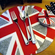 Union Jack placemat and coaster set -- <3