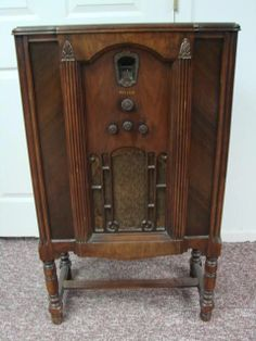 Radios Antiques And Vintage Furniture On Pinterest