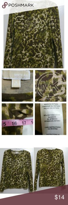 🆕Michael Kors Bling Tee Camo inspired print MK long sleeve tee. Gold embellishments. No embellishments missing (see up close in Pic 2). Armpit to armpit measurement shown in Pic 2. No holes, rips, or stains. MICHAEL Michael Kors Tops Tees - Long Sleeve