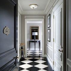 St Regis Hotel New York, checkered floor design. Black And White Interior, Black And White Tiles, Black White, White Marble, Black And White Flooring, Black Milk, Home Staging, Floor Design, House Design