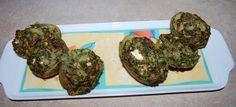 Zielono Zakręceni: Moje starania o odzyskanie kondycji i figury sprzed 30 lat! (2/3) na obiad za chwilę będzie prawdziwe szaleństwo 3 pieczone ziemniaki faszerowane pieczarkami i szpinakiem a do tego odrobina fety, całość 560 kcal  Ziemniaki 3 szt,(ok 320 gr) Pieczarki 200 g (10 szt.), Szpinak świeży lub mrożony 200 g, Ser typu feta 60 g, Jogurt naturalny 40 g , Czosnek (2 ząbki, Masło 2 łyżeczki, Przyprawy 2 szczypty  Ziemniaki ugotować w mundurkach na półmiękko Ostudzić i przekrój wzdłuż i…
