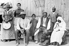 """Harriet Tubman (far left) with rescued ex-slaves. Image from the new book """"Maryland Women in the Civil War: Unionists, Rebels, Slaves & Spies"""" (Courtesy of the New York Times)."""