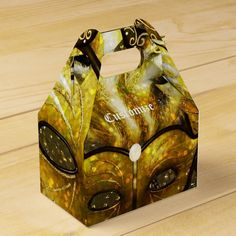 Shop Golden Mardi Gras Masks Gable Favor Box created by BlueRose_Design. Personalize it with photos & text or purchase as is! Halloween Party Supplies, Halloween Party Favors, Halloween Birthday, Halloween Weddings, Halloween Entertaining, Custom Napkins, Mardi Gras Party, Party Guests, Favor Boxes