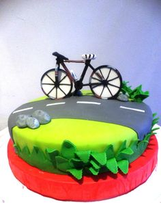 Pastel bicicleta 90th Birthday Cakes, Man Birthday, Happy Birthday, Bicycle Cake, Bike Cakes, Cake Cookies, Cupcake Cakes, Fondant Animals, Cakes For Boys