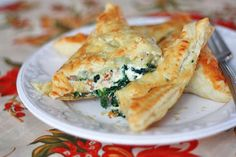 Emily of @onelovelylife has mastered pastry pockets with these Chicken Florentine Puffs. Made of creamy chicken and spinach filling wrapped in flaky pastry pockets, the basil, spinach, roasted pepper, and gruyere add depth to the flavor. Dangerously delicious!