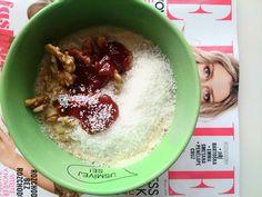 Domácí ovesná kaše s marmeládou, nic lepšího jsete nejedli.  Home made porridge with jam, very tastey way to start you day.  #home #diy #homemade #diyrecipes #recipes #recipesandfood #food #foodie #yummy #tastey  #love #eating #healthly #fitness #breakfast #porridge #omeal #czech #czechgirls #czechblogger #blogger #foodblogger