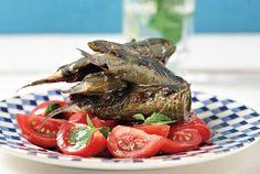 Σαρδέλες γεμιστές, ψημένες σε αμπελόφυλλα Greek Recipes, Pot Roast, Shrimp, Seafood, Recipies, Cooking Recipes, Favorite Recipes, Beef, Fish