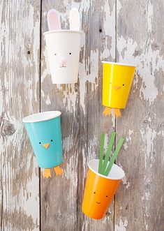 Simple Easter Treat Cups – quick and inexpensive fun for the kids this Easter season! These cute cups are perfect for party favours, classroom treats and double as an easy Spring craft! Easter Snacks, Easter Party, Easter Treats, Paper Cup Crafts, Easter Season, Hoppy Easter, Easter Eggs, Easter Traditions, Easter Activities