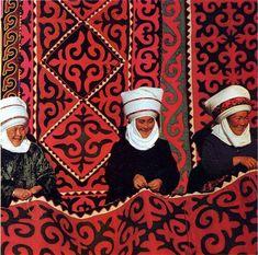 Shyrdak. Felt rug.  http://www.dyeinghousegallery.com/en/shyrdak-a-colorful-felt-rug/