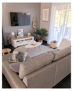 Small Apartment Living, Small Apartment Decorating, Small Living Rooms, Home And Living, Budget Living Rooms, Decorating Small Living Room, Small Living Room Ideas On A Budget, Interior Design For Small Living Room, Tv Room Small