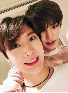 This pic is one of my favourite of all NCT pics of all the times. They look so beautiful together but this pic is on another level, is literally SUPERIOR! Nct Taeyong, K Pop, Chanbaek, Nct 127, Otp, Ten Chittaphon, Jisung Nct, Jung Woo, Bts Boys
