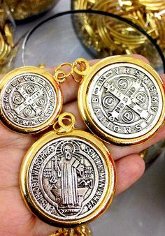 0c40bf271055 Medalla San Benito 📿 🛒 Venta por pieza. San Benito es considerado  protector de la
