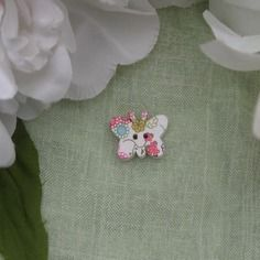 Jolie bouton papillon en bois blanc 2 cm motif fleurs et fruits