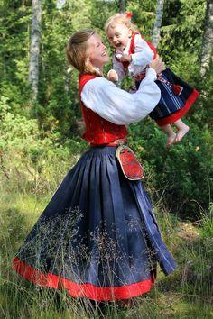 Folk Costume, Costumes, Norwegian Clothing, Viking Clothing, Folklore, Diy Clothes, Denmark, Norway, Sweden