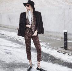 FORAY COLLECTIVE // #shopbyinfluencer, #instagramblogger, #bloggerstyle, #blogger, #stylish, #trendy, #fashionblogger, #influencer, #socialinfluencer, #outfits, #shop, #shopping, #fashiontrends, #fashion, #forwomen, #style, #tofollow, #inspiration, #foraycollective, #leopardprint, #animalprint, #blazer, #trendyblazer, #flynnskye, #jackets