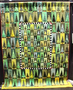 """Quilt by Bernadette Mayr on Piecedgoods, """"Sommerwald"""". An idea for a Christmas card? International Quilt Festival, Green Quilt, How To Finish A Quilt, Tree Leaves, Quilting Designs, Quilting Ideas, Repeating Patterns, Quilt Making, Art Forms"""