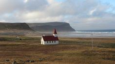 Iglesia en la costa de #Islandia #Iceland #otoñoenislandia