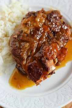 Pork cheeks with Pedro Ximénez wine Diced Beef Recipes, Whole30 Beef Recipes, Shredded Pork Recipes, Meat Recipes, Mexican Food Recipes, Salad Recipes, Cooking Recipes, Healthy Recipes, Pork Cheeks