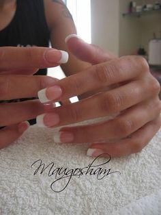 french nails with gold Simple Acrylic French Manicure, French Nail Art, French Tip Nails, French Tip Acrylics, Purple Manicure, White Tip Nails, Manicure And Pedicure, French Manicure Designs, Nail Art Designs