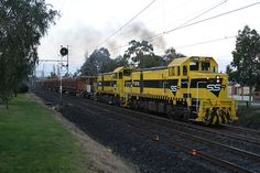 T376-T381 on a sleeper train at Glenroy