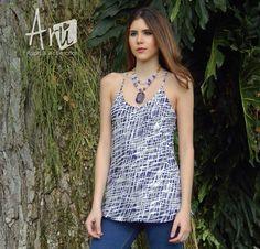 Dale un nuevo aire a tu armario Blusa y accesorio ARU @marianavelezve  #model #fashion #cute #lookaru