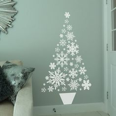 Easy Ideas for Handmade Christmas Decor. Spread holiday cheer with these Wall Christmas Tree - Alternative Christmas Tree Ideas and other holiday ideas. Christmas Tree Wall Decal, Diy Christmas Tree, Christmas Wallpaper, Xmas Tree, Fir Tree, Christmas Pictures, Christmas Ornaments, Handmade Christmas Decorations, Holiday Decor