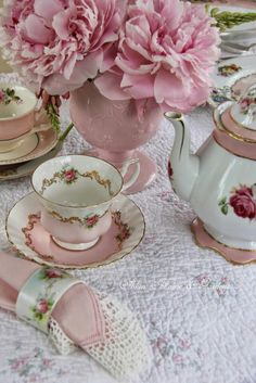 A Tea Time | Rosamaria G Frangini || Pink Flowers and Pink Cups by Aiken House & Gardens