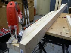 How to build your own home made ski wax bench Home Made Wax, Xc Ski, Build Your Own House, Diy Bench, Winter Time, Raven, Building A House, Workshop, Garage
