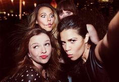 Amber Tamblyn, America Ferrera, Alexis Bledel and Blake Lively, ...