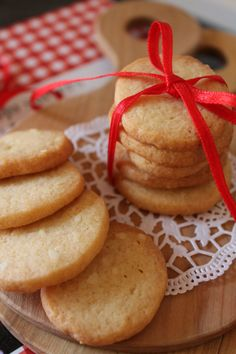 Grandma Cookies, Whipped Shortbread Cookies, Cookie Box, Fika, Food Inspiration, Cookie Recipes, Bakery, Food And Drink, Favorite Recipes