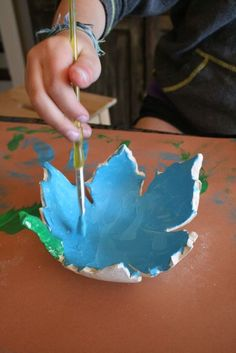 Leaf shaped bowl with air dry clay.
