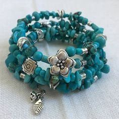Southwestern Turquoise and Silver Memory Wire Bracelet, Turquoise and Silver Ban… - jewelry diy bracelets Memory Wire Jewelry, Moon Jewelry, Memory Wire Bracelets, Handmade Bracelets, Beaded Jewelry, Jewelry Bracelets, Craft Jewelry, Wrap Bracelets, Handmade Jewellery