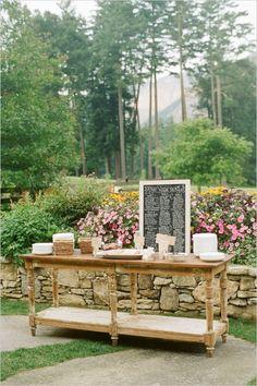 wedding hors d'oeuvre table #southernwedding #classicwedding #cateringideas http://www.weddingchicks.com/2014/01/09/southern-wedding/