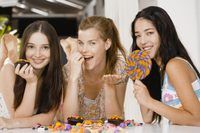 The Best Party Games for 14-Year-Old Girls (with Pictures) | eHow