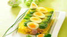 Jajka wielkanocne w galarecie - przepis, składniki i przygotowanie. Sprawdź przepis na jajka wielkanocne w galarecie!
