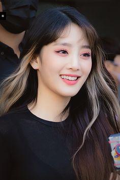 Kpop Girl Groups, Korean Girl Groups, Kpop Girls, First Girl, My Girl, Hair Inspo, Hair Inspiration, Soo Jin, Soyeon