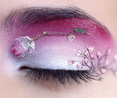 Lauren Monical 30 stunning (and incredibly creative) eye makeup ideas - Blog of Francesco Mugnai