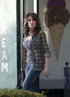 Katey Sagal ( Gemma Teller Morrow)