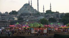 istanbul avec ces restaurants flottant