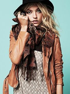 I'm in love with this whole look... the scarf, the top, and the jacket.  I love biker jackets, and I love 'em in tan leather!