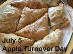 With lots of cinnamon in the apples, please! #AppleTurnover