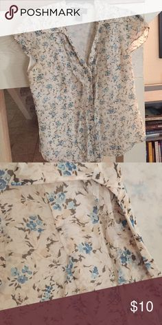 Nine West Silk Blouse -Size 4 100% silk blouse from Nine West _ floral Size small Nine West Tops Blouses