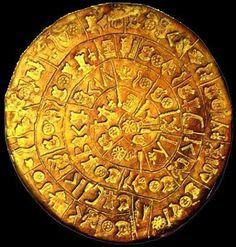 El disco de Festo (o disco de Phaistos) es un curioso hallazgo arqueológico de finales de la edad de bronce. Fue descubierto el 15 de julio de 1908 por el arqueólogo italiano Luigi Pernier en la excavación de un palacio minoico en Festos (Phaistos), cerca de Hagia Triada, en el sur de Creta.